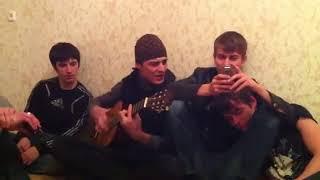 Под Гитару Поет  про молодого наркомана нереально спел