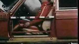 Crash test mercedes w123