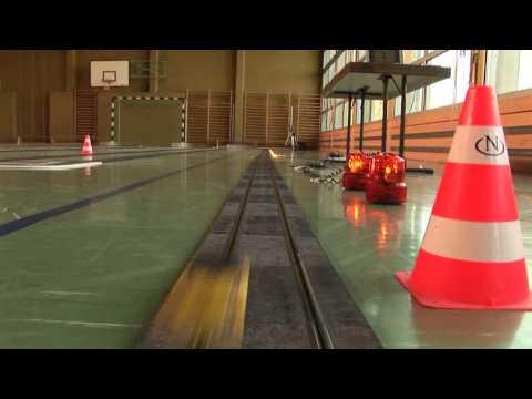 150 Meter Ninco Rennbahn mit Crashtest