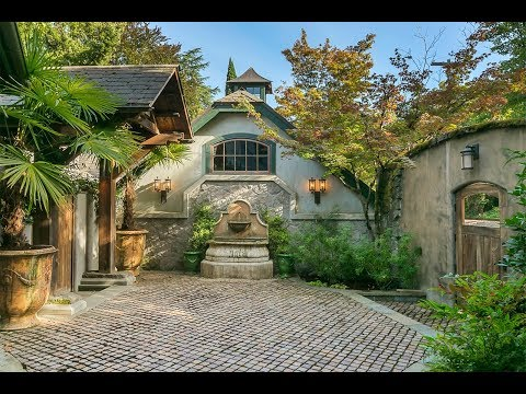 Riverfront Dunthorpe Home with Walled Courtyard Entrance in Portland, Oregon