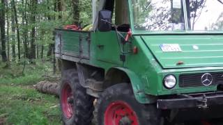 Unimog 411 Beim Holzeinschlag
