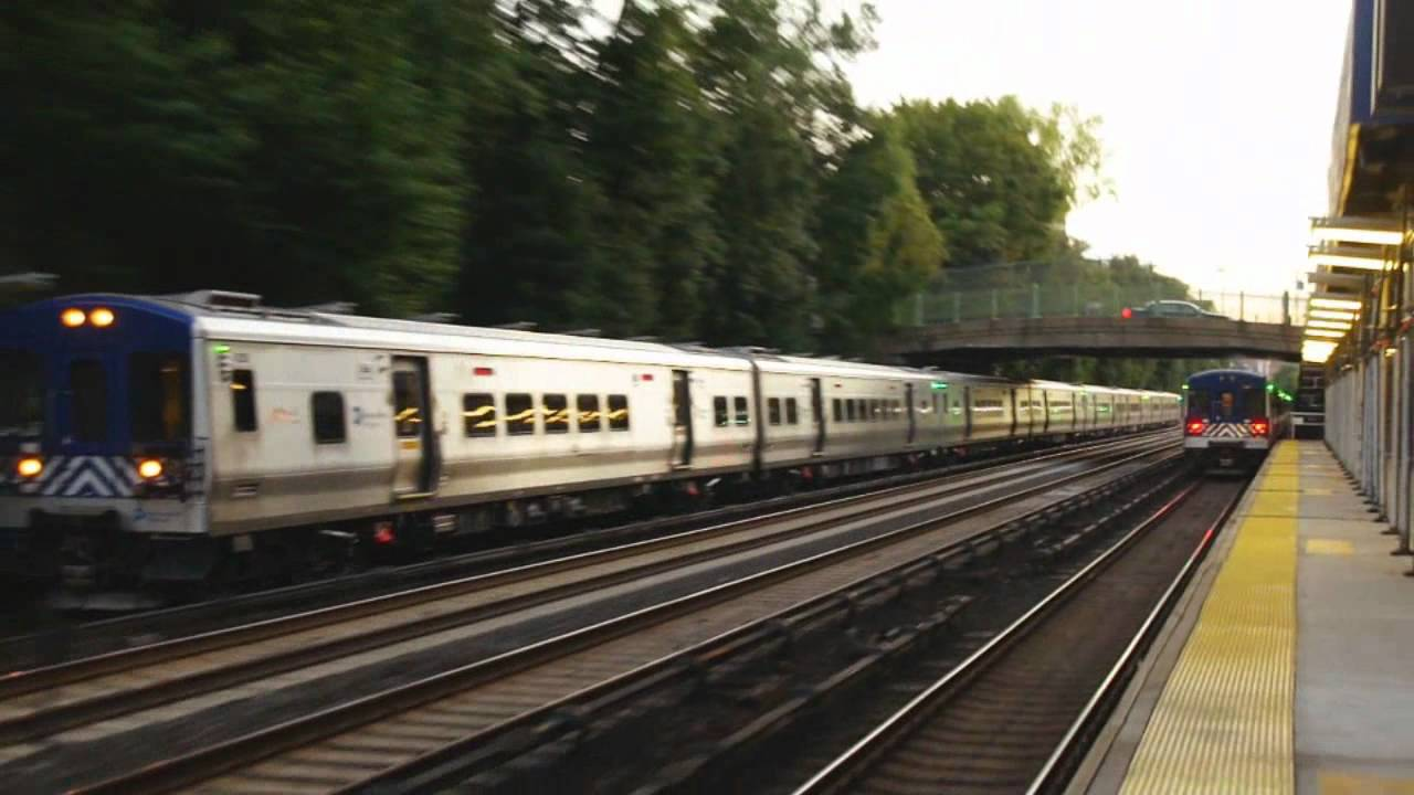 metro north railroad : train action @ botanical gardens station