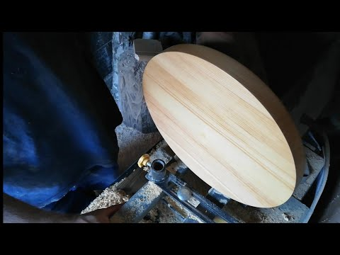 Lazy Susan with fidget spinner