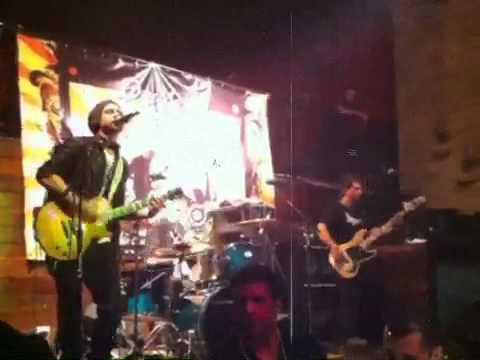 "RAFAEL MOREIRA LIVE IN SAO PAULO - BRAZIL 2011 ""Foxy Lady"""