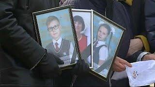 Rusya'da yangın faciasında ölenler toprağa veriliyor