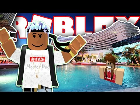 BUILDING MY OWN LUXURY HOTEL IN ROBLOX!
