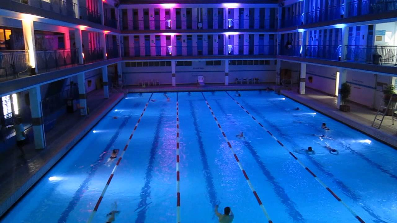 Piscine pontoise nocturne quartier latin paris v youtube for Piscine quartier latin