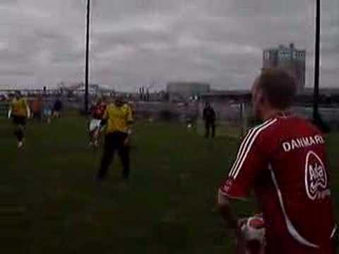 Carl Johan scores!