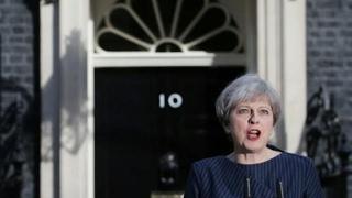 أخبار عالمية - رئيسة وزراء #بريطانيا تدعو إلى إنتخابات تشريعية مبكرة