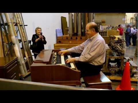 Wally Brown plays Hammond Organ at AOI Open House