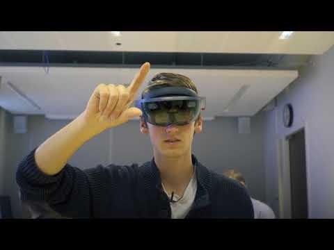 Deze studenten bestuderen het enkelgewricht met een VR-bril - de Volkskrant