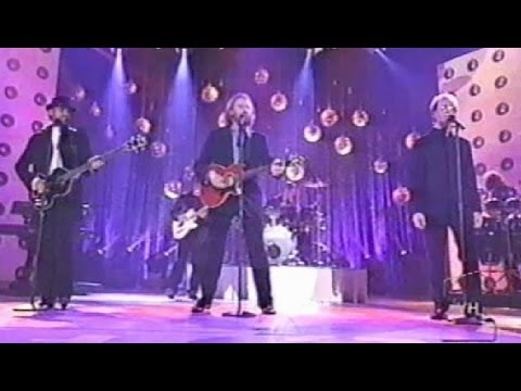 Bee Gees - Staying Alive - VH1 Fashion Awards 2002 HQ Audio