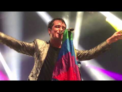 Brendon catching a pride flag during Girls/Girls/Boys - Melbourne 01/29/17