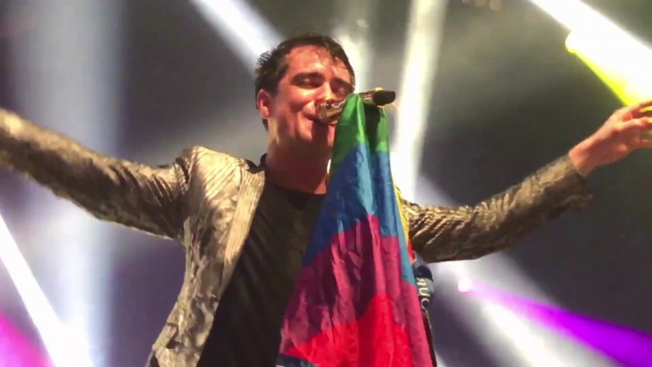 64d311f2 Brendon catching a pride flag during Girls/Girls/Boys - Melbourne 01/29/17  - YouTube