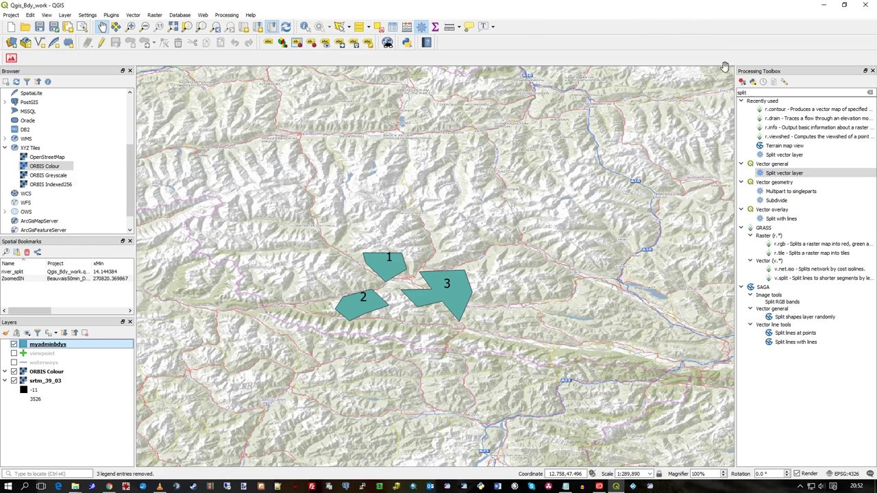 Splitting Layer by Feature in QGIS