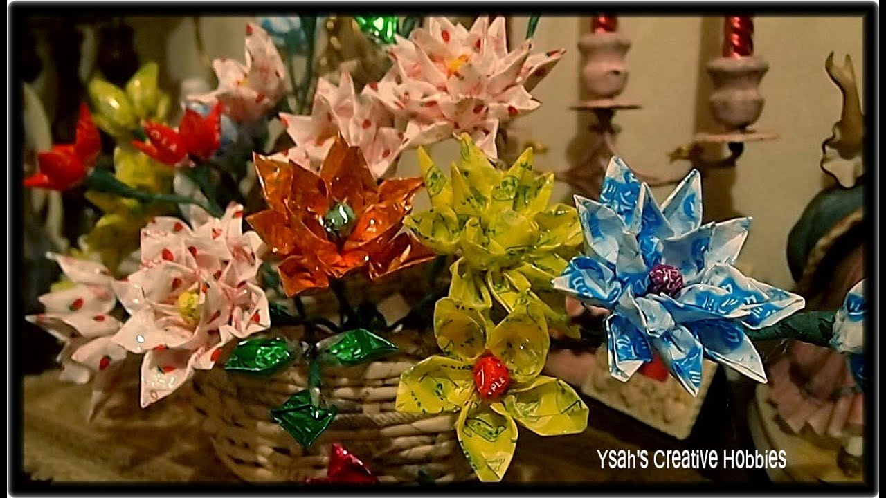 How to make flowers out of candy wrappers youtube how to make flowers out of candy wrappers izmirmasajfo