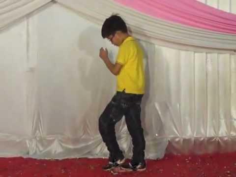 kya karu o ladies....   :  Avi Bhargava's Dance Performance
