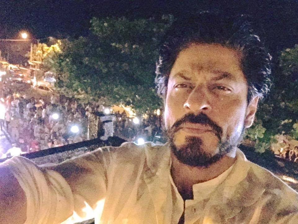 Image result for shahrukh at night