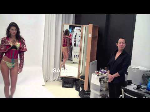 Видео: VICTORIAS SECRET FASHION SHOW 2014 FITTINGS EXOTIC TRAVELLER