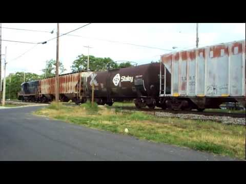 TRAINS IN SOUTH JERSEY! W&W #954 PULLS SW-1200 & MIXED FREIGHT TO BRIDGETON, NEW JERSEY - 6-13-11