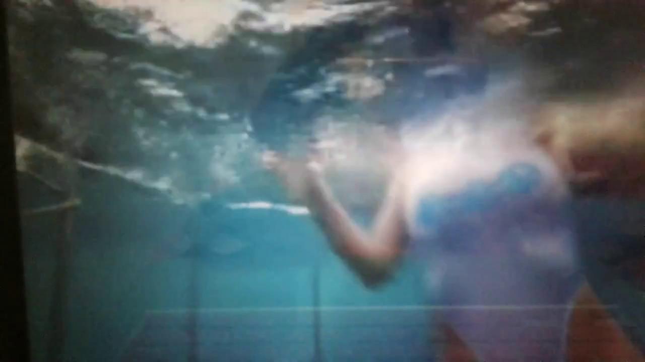 Actriz Porno Es Mordida Por Tiburon actriz porno es mordida por tiburÓn - myvideo