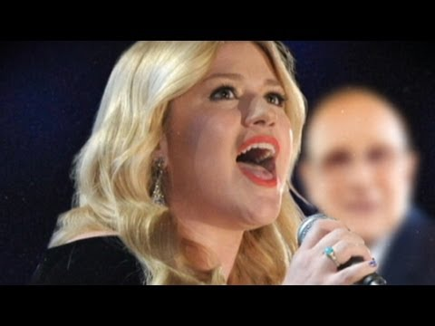 Kelly Clarkson, Clive Davis Feud: Singer Says She Won't Be 'Bullied' By Music Mogul
