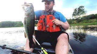 Ep.92. Kayak fishing for evening Pike and Bass.