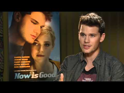 Jeremy Irvine on Dakota Fanning's British accent in Now is Good