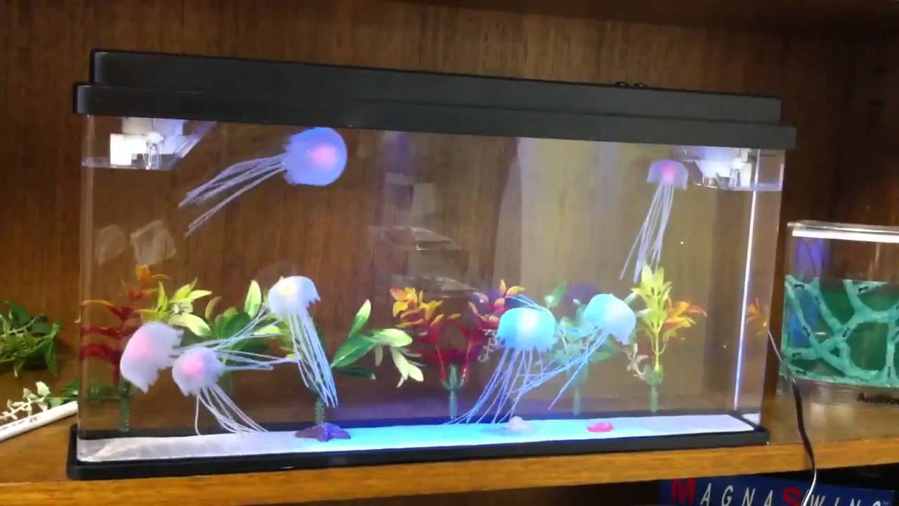 New deluxe jellyfish aquarium youtube for Fake fish tank with moving fish