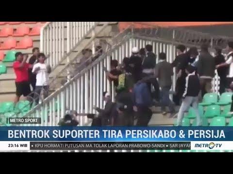 Kericuhan Suporter Warnai Kemenangan Tira Kabo atas Persija