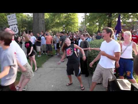 Movin' like Bernie Flash Mob - Louisville KY