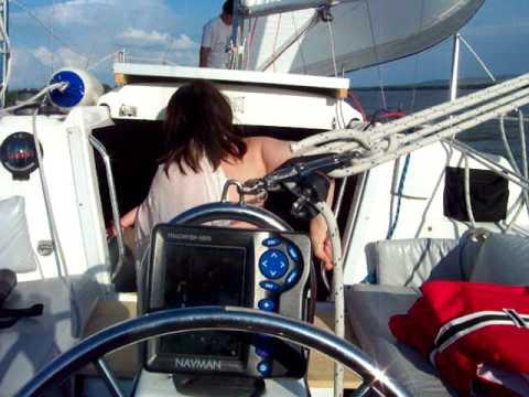 Nemo Sailing pe Dunare  fete cu marama