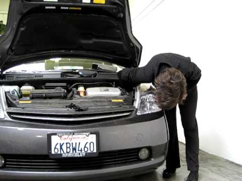 Prius Hid Headlight Replacement In Less Than 3 Minutes Luscious Garage You