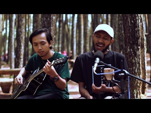 Puisi Alam - Fourtwnty (Live Outdoor)