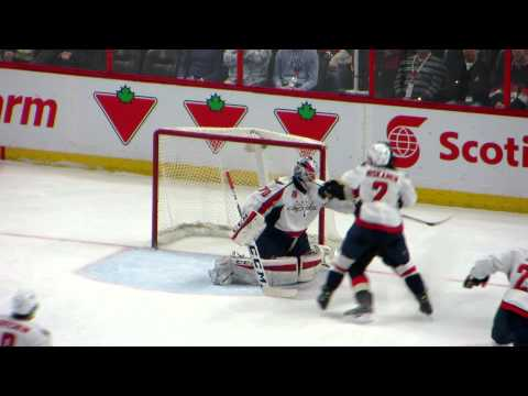Braden Holtby in action during the Capitals @ Senators hockey game