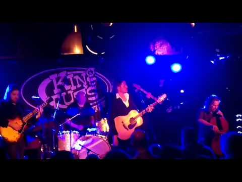 Tom McRae The Dogs Never Sleep live at Tuts