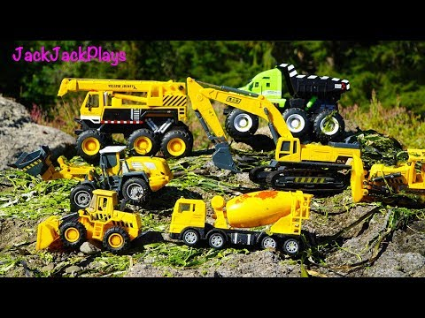 Kids Toy Videos - Construction Vehicles Trucks for Children - Playing with Excavators at Beach
