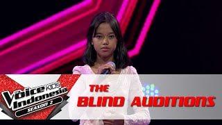 "Andrea ""Con Te Partiro""   The Blind Auditions   The Voice Kids Indonesia Season 2 GTV 2017"