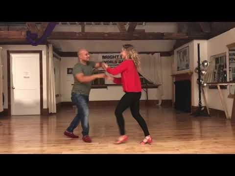 Salsa dance classes in Portland with Danza Latina