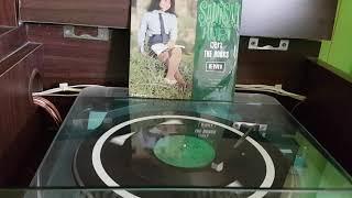 Sanisah Huri dan The Hooks 'Hari Libur' (1968)