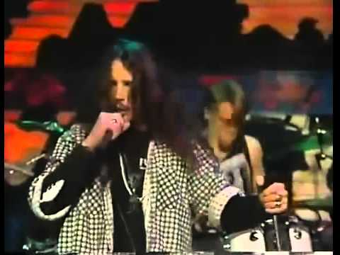 Soundgarden - Outshined - Live at MTV Studios