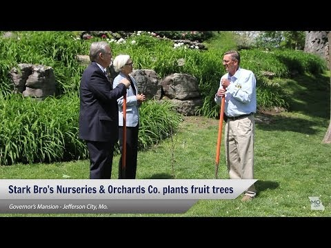 Stark Bro.'s delivers fruit trees to Governor's Mansion