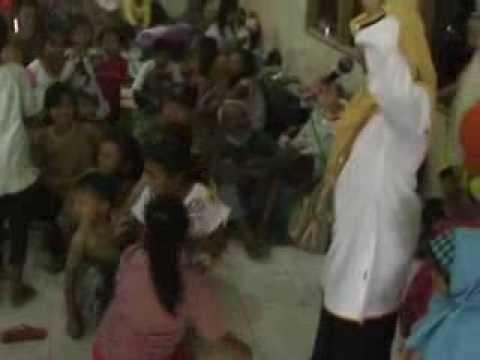 Trauma Healing PKS Dengar Curhat Pengungsi Kelud