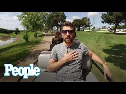 Brett Eldredge Gives Kissing Advice   People