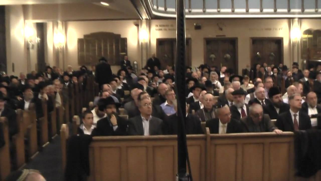 Cantor Yaacov Motzen Davening Maariv  At The Sefira Concert  Part 1 (Watch in HD)