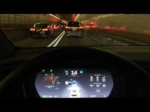 Tesla Model X - Autopilot in Holland Tunnel