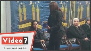 زوجة وائل نور ونجله يتلقون عزاءه بدار مناسبات مسجد الحامدية الشاذلية
