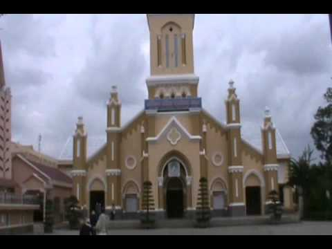 Hành hương viếng mộ Cha Fx. Trương Bửu Diệp 2010 (6)