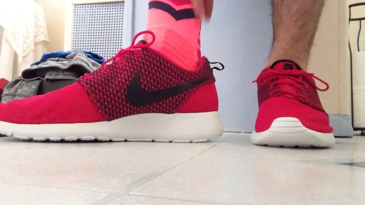 da52391e300b Nike roshe run on feet with shorts - YouTube