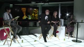 YouTube Space Tokyoにて。スペインの映画監督アレックス・デ・ラ・イグ...